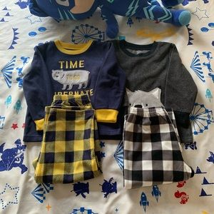 Carters baby boy pajamas ( set of two)